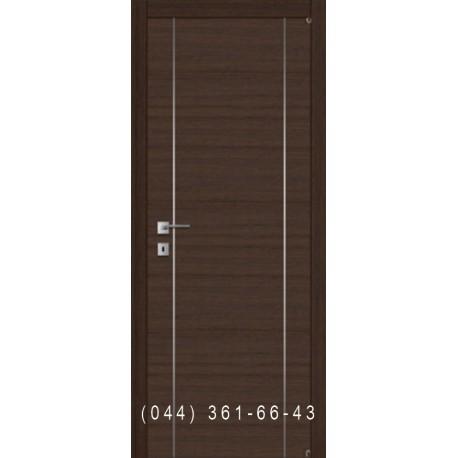 Гладкая дверь с вертикальными молдингами Fusion F-4